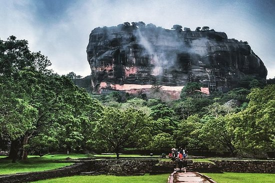 2 Day Tour To Sigiriya Dambulla...
