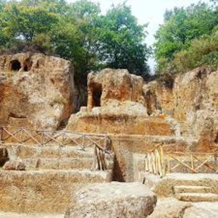 Sorano, Italie : המפואר בקברים