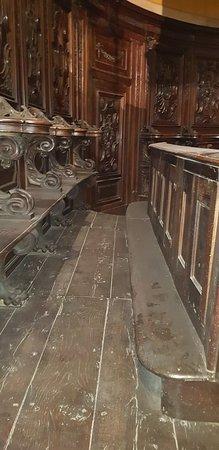 Chiesa di Santa Maria del Carmine: INTERNO