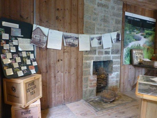 Drewsteignton, UK: little house on the premises