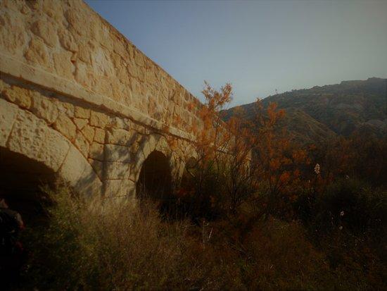 Elche, Spain: Canalizaciones alrededor