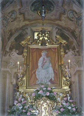 La Vergine che allatta il Bambino