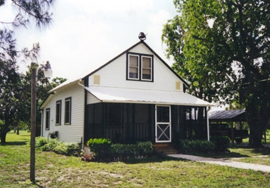 This is the school house in its original location.  Before it was moved to the Estero Community Park where is received a complete renovation.  Looks a bit different with a screen enclosure.  It was once used as a home as well after it was a school.