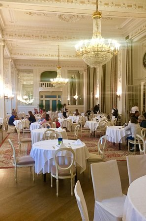 I refer to the as the Throne - Room  ( breakfast room  with Chandeliers ,).. at. Kempinski Palace Portoroz