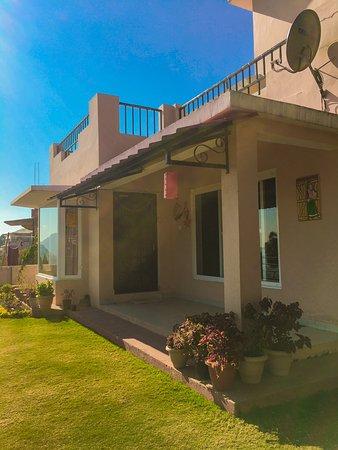 Nainital District, Indien: Ceedar Cottages homestay