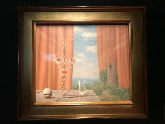 Rene Magritte House Museum: В музее бельгийского сюрреалиста