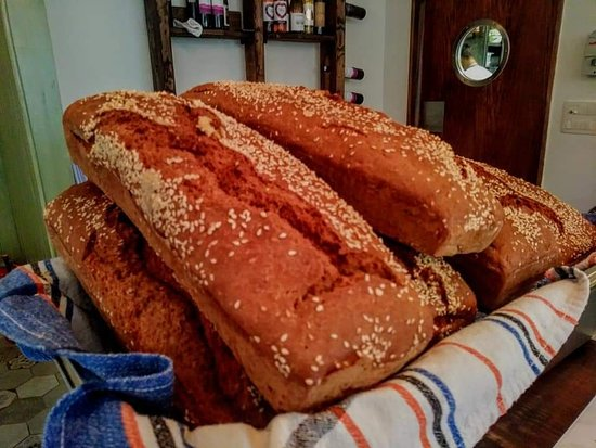 Gespanschaft Split-Dalmatien, Kroatien: Homemade bread