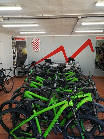 Fastmotion Bikerental & Tours: We moved! Calle der las Pilas 35627 Costa Calma Bigger, better and nicer!