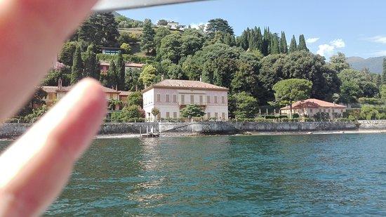 Blevio, Olaszország: La villa vista dal lago