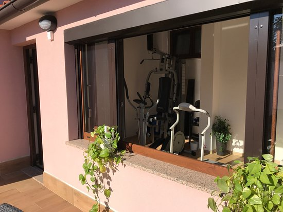 Stinjan, Croatia: New Apartman Puntižela-Patty in Štinjan near Pula in Croatia is beautiful new 3 rooms for 6 persons, 2 bathrooms, gym and many others content and only 2 min to the see. See is the most cleanest i have ever seen