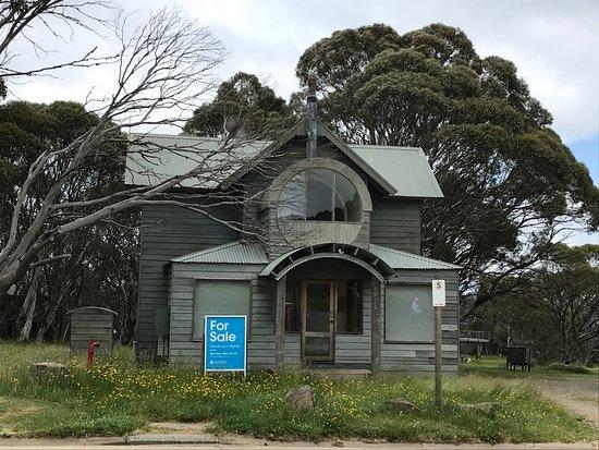 Dinner Plain, Αυστραλία: Hobbit House for sale....