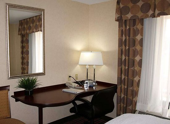 Englewood, OH: Guest room