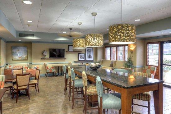 hampton inn st simons island. Black Bedroom Furniture Sets. Home Design Ideas