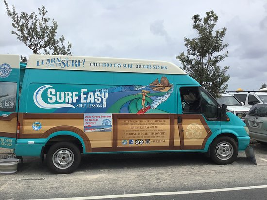 Gold Coast, Australien: Learn to surf with Surf Easy Surf School... best coaches and such a fun experience