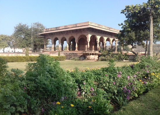 Deeg Palace: View from the garden