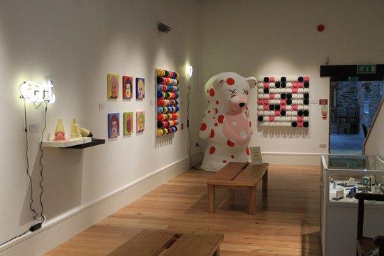 Machynlleth, UK: Little Big Art contemporary Welsh art at MOMA Machynllech