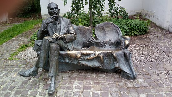 Statue of Jan Karski