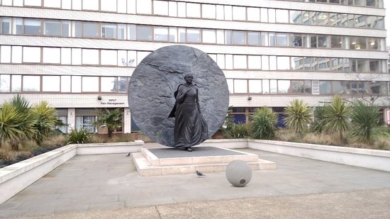 ‪Mary Seacole Statue‬