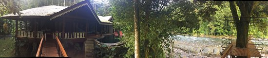 180 degree panoramic photograph of the Jaguar Villa at Pacuare Lodge