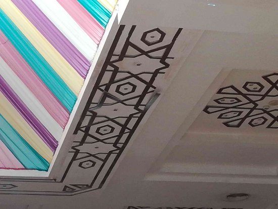 Ali Baba Palace: hotelová hala - odpadající dekorace