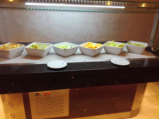 Ali Baba Palace: nabídka ovoce -  oběd