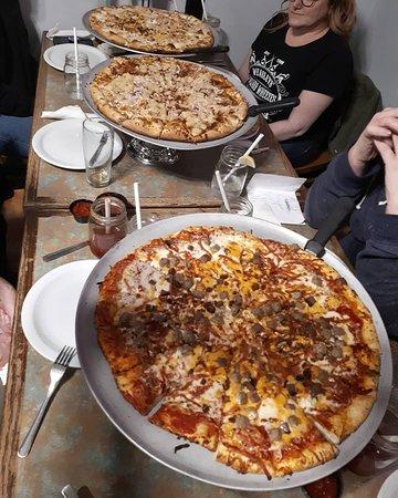 Brenko's House Of Pizza: Three amazing pizzas.
