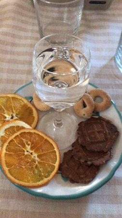 Farindola, Italie: Complimenti ragazzi per il pranzo di oggi.