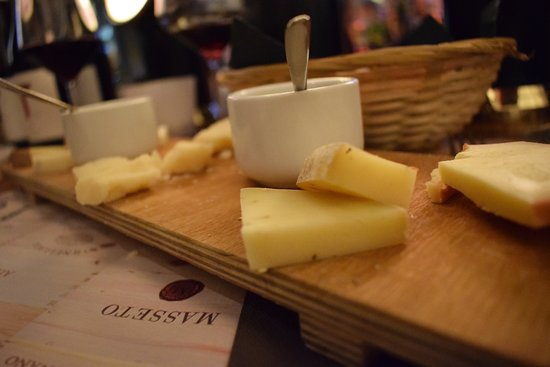 Le Stanze: - and what about cheese?  - Delizioso!