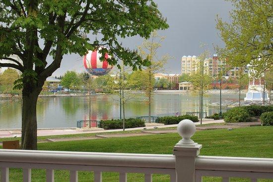 Disney's Newport Bay Club: Vue depuis la salle de sport