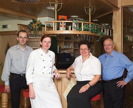 Sankt Valentin, Österrike: Familie Wallner Restaurant zum grünen Baum St. Valentin