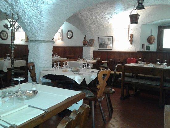 Usseaux, Italie : Interno