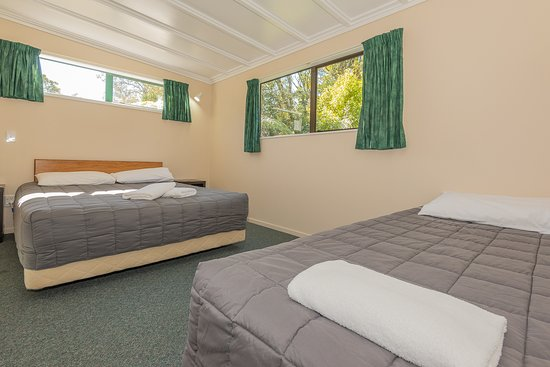 Blue Lake TOP 10 Holiday Park & Motel: Self-contained unit bedroom