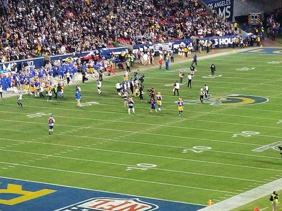 Rams Vs. Cowboys Game