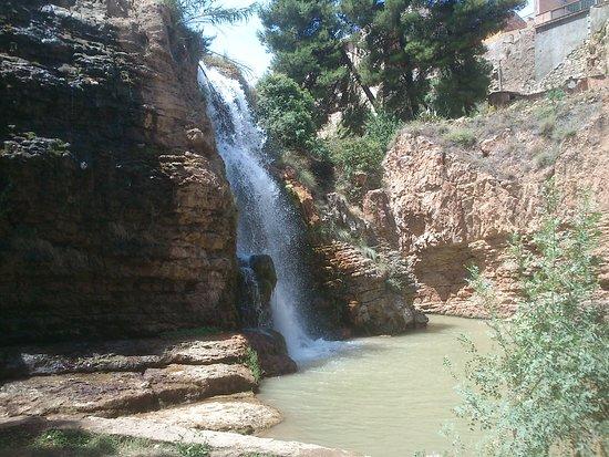 Muel, Испания: CASCADAS DEL HUERVA