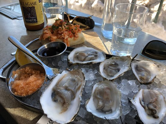 Eventide Oyster Company: A tasting of Maine Oysters and the Lobster Roll