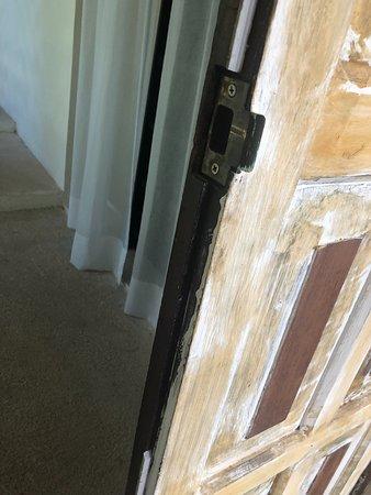 Maria's Kan-kin: Damaged doors