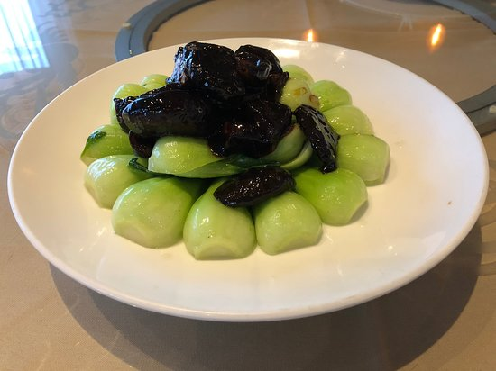 Shanghai Green with Black Mushroom
