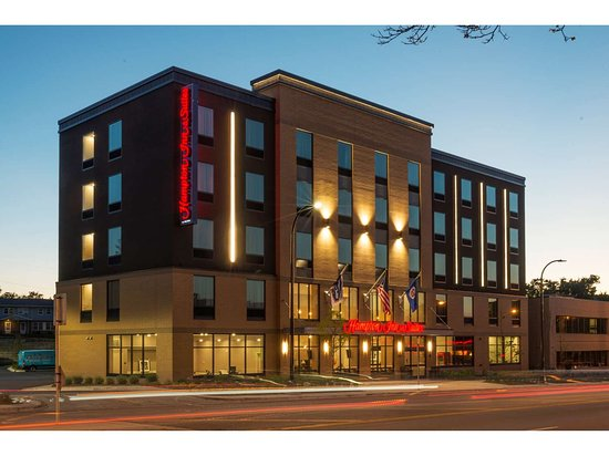 Hampton Inn and Suites Minneapolis University Area