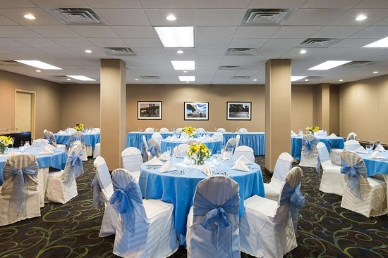 Elmsford, NY: Meeting Room