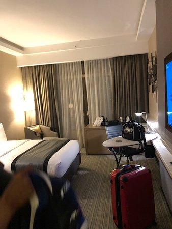 Luxury room and feel but there is room for Improvement