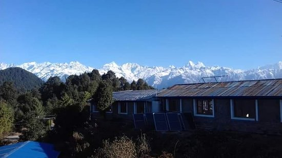 Helambu, Nepál: Majestic view of Langtang & Jugal Range from the hotel garden