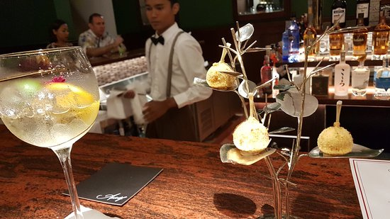 Apéritif Restaurant & Bar: Appetizers  at bar