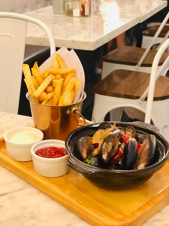 Mussels & Fries $138