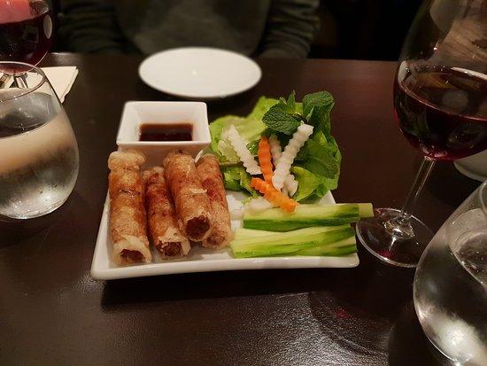 Saigon Saigon: Vegetarian spring rolls