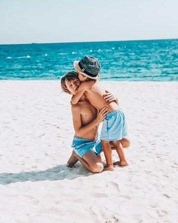 Turkey: Песчаные пляжи Турции хорошо подходят для отдыха с детьми (и располагают к проявлению братских чувств). Помимо пляжа, здесь много детских развлечений в отелях и за их пределами.