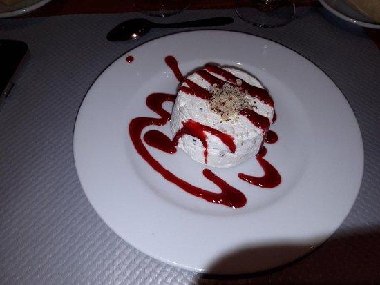 Isola 2000, France: Dessert nougat glacé