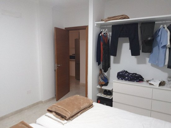 Spacious, clean and basic apartment but bring walking shoes! A very long walk from everywhere.