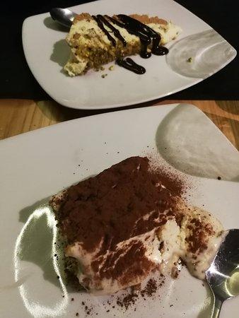 Piccola Napoli: postre, tiramisu y cheesecake de pistacho