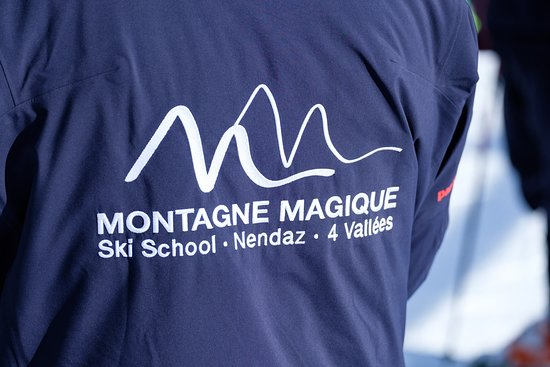 Montagne Magique Ski School