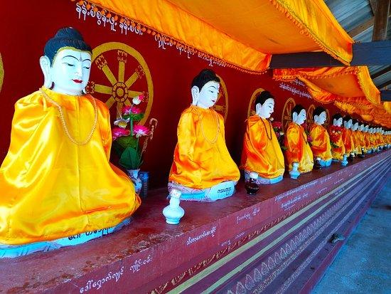 Keng Tung, Myanmar: Buddha Image